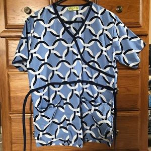 Tops - Scrub top- size S